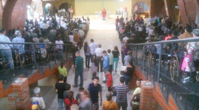 LA CRISIS de Venezuela no apaga la fe de los tachirenses