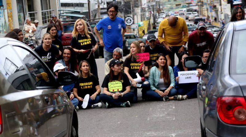 REPUDIAN ACOSO A MEDIOS POR PARLAMENTO CHAVISTA Y LLEVARÁN EL CASO A OEA Y ONU