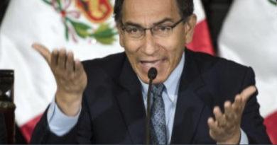 A AÑO Y MEDIO DE ASUMIR LA PRESIDENCIA DESTITUYEN A PRESIDENTE VIZCARRA EN PERÚ