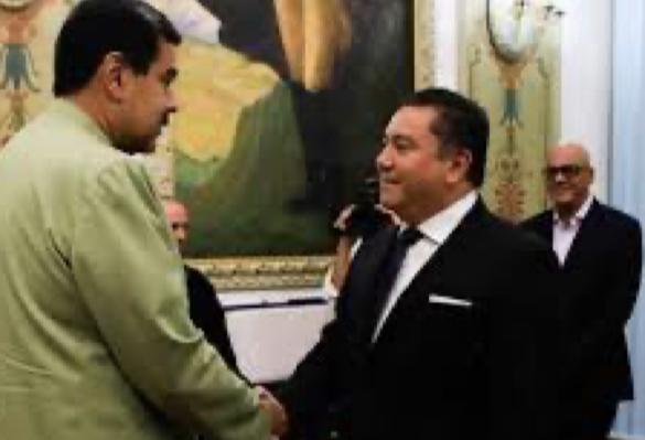 POR COLABORADOR DEL GOBIERNO DE MADURO NO ADMITEN A PASTOR BERTUCCI EN EEUU