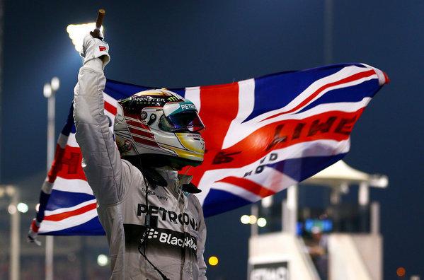Lewis-Hamilton-celebra-su-segu_54420156870_54115221154_600_396